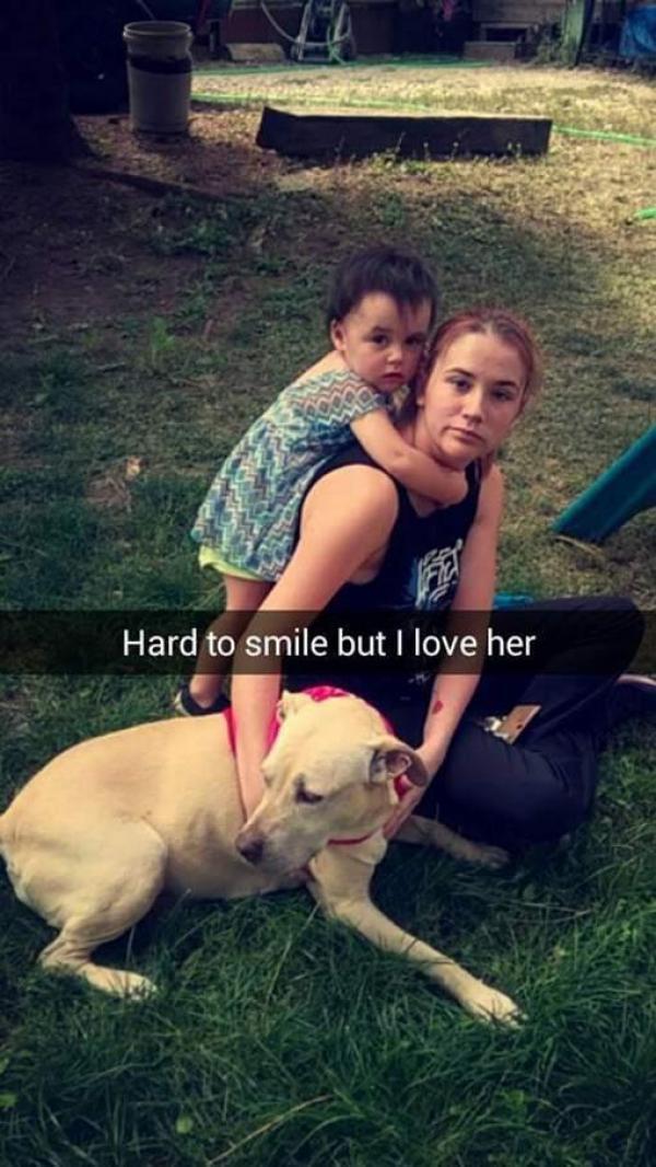 Hannah et son chien mourant